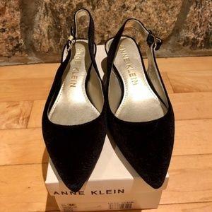 New-Anne Klein Black Velvet Slingback Pumps-8.5